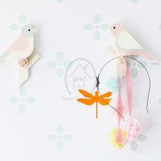 Kapstokje uit een serie van 3 vogeltjes. Handgemaakt, enkel te koop bij Saartje Prum.