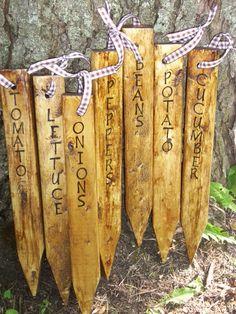 Handmade Garden Stakes / Rustic Primitive Wooden Garden Markers/ Made to Order Raised Garden Beds, Raised Beds, Garden Plant Markers, Herbs Garden, Diy Jardin, Deco Nature, Handmade Signs, Handmade Wooden, Garden Signs