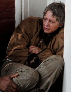 The Walking Dead Season 6 Episode 16 'Last Day On Earth' Carol Peletier Walking Dead Girl, Walking Dead Season 6, Walking Dead Tv Series, Fear The Walking Dead, Best Tv Shows, Best Shows Ever, Favorite Tv Shows, Talking To The Dead, Melissa Mcbride