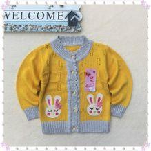 Áo khoác bé gái dài tay cá tính, hình thỏ phối màu dễ thương