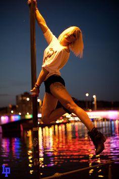 Street-Pole - le pole dance devient extérieur - Laurent PRATLONG