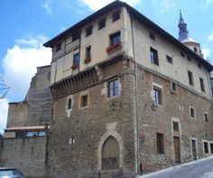Vitoria-Gasteiz Vitoria-Gasteiz (La casa más antigua de la ciudad) Bilbao, Vitoria Spain, Basque Country, San, Mansions, World, House Styles, The World, Medieval Town