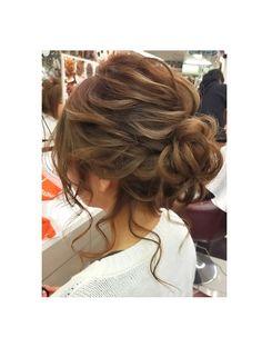 ヘアセットサロン キュア(CURE) 後れ毛が可愛いアップスタイル★ Bridal Hair Updo, Bridal Hair And Makeup, Hair Makeup, Fancy Hairstyles, Wedding Hairstyles, Medium Hair Styles, Curly Hair Styles, Cool Haircuts For Girls, Hair Arrange