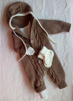 Одежда ручной работы. Ярмарка Мастеров - ручная работа. Купить Комбинезон с носочками для новорожденных. Handmade. Комбинезон вязаный, одежда на выписку