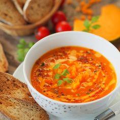 Aksamitna zupa krem z dyni i pomidorów   Smaczna Pyza Vegan Cake, Vegan Desserts, Ketogenic Recipes, Keto Recipes, Vegan Gains, Keto Results, Best Soup Recipes, Eat Pray Love, Keto Dinner