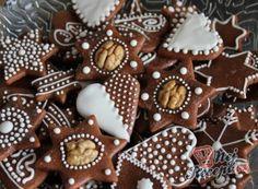 Ihned měkké medové vánoční perníčky | NejRecept.cz Fun Cookies, No Bake Cookies, Bread Display, German Cookies, Czech Recipes, Cookie Time, Biscuits, Cake Bars, Bread Cake
