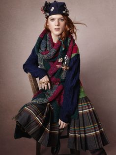 Rose Leslie (Game of Thrones & Downton Abbey) - Vogue UK April 2013 Rose Leslie, Vogue Uk, Tartan Mode, Tartan Plaid, Tartan Fashion, Look Fashion, Womens Fashion, Harry E Gina, Art Chanel