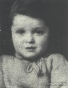 Léon Goldfarb 1942 Taken in Paris, Paris County, Île-de-France France in 1942. Léon Goldfarb Birth year : 1939 Gender : male toddler child  Nationality : French  Background : Jewish  Residence : Paris, France  Death : August 26, 1942  Cause : Murdered in Auschwitz ( buried in Auschwitz death camp ) Age : 3 years