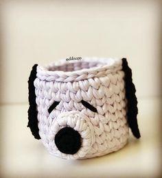 Snoop❤️ . . . #fiodemalha #decoracaoinfantil #snoopy Love Crochet, Crochet Things, Crochet Ideas, Crochet Projects, Snoopy, T Shirt Yarn, Plastic Canvas, Elsa, Basket