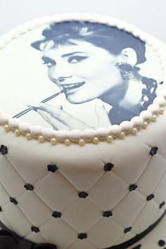44 Super Ideas For Breakfast At Tiffanys Party Ideas Audrey Hepburn Easy Recipes Audrey Hepburn Cake, Audrey Hepburn Breakfast At Tiffanys, Tiffany Cakes, Tiffany Party, Fondant Cakes, Cupcake Cakes, Cupcakes, Hollywood Cake, Hollywood Glamour