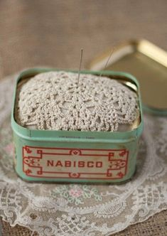 doily tin | http://amazingstampgallery.blogspot.com