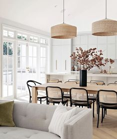 Dining Room Inspiration, Home Decor Inspiration, Home Luxury, California Bungalow, California Home Decor, Bungalow Homes, Home And Deco, Küchen Design, Design Files