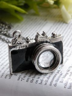 $2.99 camera necklace