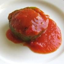 This recipe for Polish stuffed peppers or papryka nadziewana can be made with any color pepper and either raw ground meat or cooked leftover meat. Gourmet Recipes, Beef Recipes, Soup Recipes, Dinner Recipes, Cooking Recipes, Healthy Recipes, Dinner Ideas, Cooking Ideas, Yummy Recipes