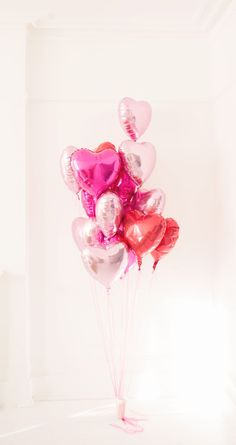 heart balloons, the cutest balloons for valentine's day #loveisallyouneed