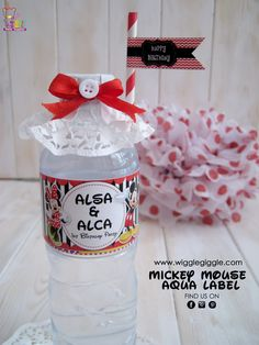 Mickey Aqua labels. Visit us at www.wigglegiggle.com Mickey Mouse, Aqua, Water Bottle, Happy Birthday, Printable, Drinks, Happy Aniversary, Happy Brithday, Beverages