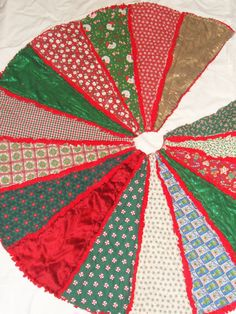 Rag Quilt Tree Skirt | Things I've Made | Pinterest | Tree skirts ... : rag quilt christmas tree skirt pattern - Adamdwight.com