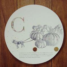 """ C de calabaza o de carruaje "" pieza única. Ilustrada a mano #Himallineishon #art #illustration #collage"