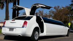 2014 White 140-inch Chrysler 300 Limo for Sale #1273 www.americanlimousinesales.com