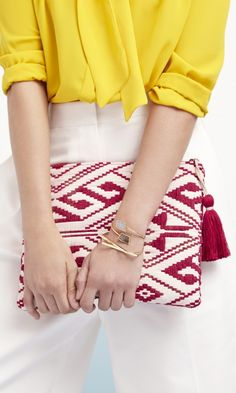 The red tribal-inspired woven fabric clutch with a yarn tassel complete the look! How To Have Style, My Style, Mellow Yellow, Yellow Top, Tapestry Crochet, Beautiful Bags, Fashion Forward, Purses And Bags, Spring Fashion