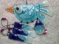 vitrofusion llamadores de angeles - Buscar con Google Glass Wind Chimes, Diy Wind Chimes, Glass Garden Art, Glass Art, Glass Backsplash Kitchen, Clear Ornaments, Stained Glass Crafts, Glass Animals, Glass Birds