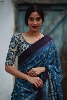 Sari Blouse Designs, Fancy Blouse Designs, Blouse Patterns, Trendy Sarees, Stylish Sarees, Indigo Saree, Saree Photoshoot, Saree Trends, Saree Models