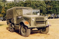 Bedford MWD 15cwt GS Bedford Truck, Old Lorries, Army Vehicles, Antique Cars, Monster Trucks, Ww2, Arms, Hardware, Image