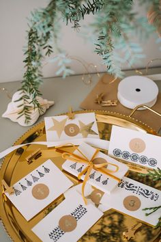 Advent calendar envelopes with kraft and gold numbered stickers. Add encouraging notes, random acts of kindness and self-care prompts to hand-stamped envelopes.