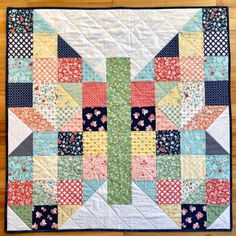 Baby Butterfly Patch for Jack's Basket (Riceford Streams) Colchas Quilting, Scrappy Quilts, Mini Quilts, Quilting Projects, Quilting Designs, Baby Quilts, Owl Quilts, Baby Patchwork Quilt, Crazy Patchwork