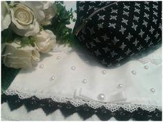Necessaire + toalha de lavabo. Delicate Artes em tecido