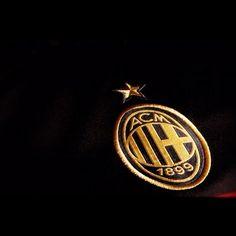 AC milan = my favorite soccer team!!