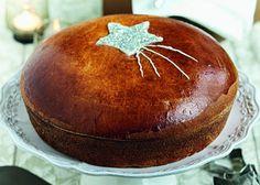 basilopita tsureki me astreri panw Greek Sweets, Greek Desserts, Greek Recipes, Cinnamon Cake, Greek Cooking, Christmas Sweets, Christmas Crafts, Different Recipes, Confectionery