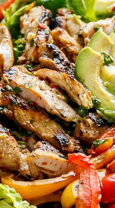 Diet Plan To Lose Weight : Grilled Chilli Lime Chicken Fajita Salad - Healthy Mexican Food Recipes, Dinner Recipes, Mexican Salads, Chili Lime Chicken, Masterchef, Cooking Recipes, Healthy Recipes, Summer Salads, Soup And Salad