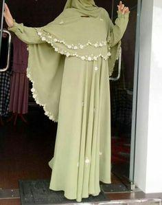 Hijab green Hijab Gown, Hijab Style Dress, Hijab Chic, Islamic Fashion, Muslim Fashion, Modest Fashion, Fashion Dresses, Muslim Long Dress, Muslim Wedding Dresses
