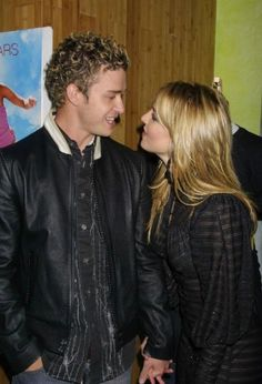 Britney Spears and Justin Timberlake Britney Spears Young, Britney Spears Photos, Cute Celebrity Couples, Celebrity Pictures, Cute Couples, Britney Spears Justin Timberlake, Tout Rose, Britney Jean, Beyonce And Jay Z