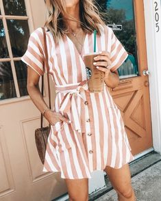 Bohemia Short Sleeves Striped Mini Dress - fashion beauty - - Bohemia Short Sleeves Striped Mini Dress Source by neelebochum Mode Outfits, Dress Outfits, Picture Outfits, Spring Summer Fashion, Spring Outfits, Summer Ootd, Outfit Summer, Casual Summer Fashion, Summer Chic