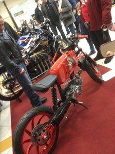 Brat Cafe, Cafe Racing, 50cc, Mini Bike, Bike Stuff, Scrambler, Bobber, Cars And Motorcycles, Mustang