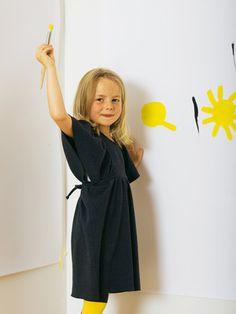 burda style, Schnittmuster -  Bequemes, weit geschnittenes Kleid aus Sweatshirtstoff mit Bindebändern in der Taille, Nr. 144 aus 12-2011