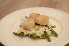Citroenrisotto met coquilles en groene asperges