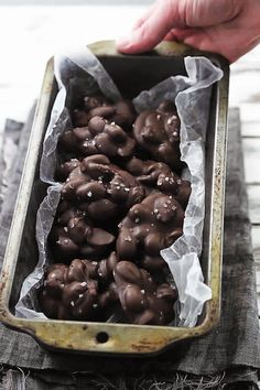 3 Ingredient Chocolate Almond Clusters | Creamy, melt-in-your mouth chocolate and almond clusters made in the microwave with just 3 simple ingredients!