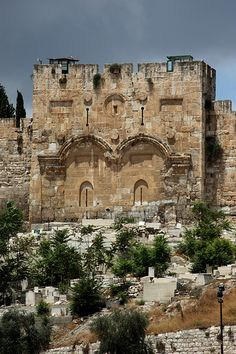 *JERUSALEM's GOLDEN (Beautifiul) GATE ~ Blocked in 1541 by Ottoman Sultan Suleiman to prevent the Messiah from entering Temple Mount