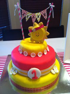 Evann's first birthday cake - You are my Sunshine theme