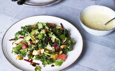 Do your body a favour by tossing together this delicious and incredibly healthy kale salad with avocado, grapefruit, red beets & umami dressing. Power Salat, Recipe For 2, Pak Choi, Kale Salad Recipes, Red Beets, Healthy Salads, Cilantro, Grapefruit, Foodies