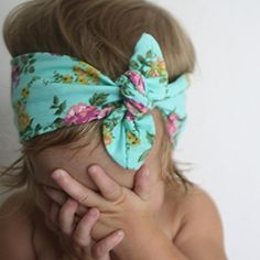 Aqua floral knot bow ---- Crafted bows. Baby girls. Fashion. Trendy kids. Baby headbands. Hipster baby
