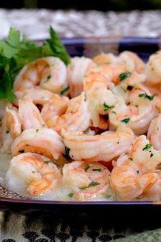 Camarones al Ajillo - AntojandoAndo Lobster Recipes, Shrimp Recipes, Mexican Food Recipes, Spanish Recipes, Camaron Al Ajillo Recipe, Food Network Recipes, Cooking Recipes, Healthy Recipes, Crudite