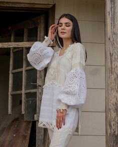 Kurti Sleeves Design, Kurti Neck Designs, Sleeve Designs, Afghani Clothes, Pakistani Dresses Casual, Stylish Tops, Abayas, Bridal Jewelry Sets, Casual Wear