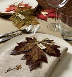 Dried Leaves Place Cards Great for Thanksgiving table setting as well as a Fall Wedding