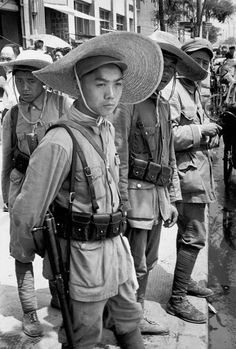 Henri Cartier-Bresson - CHINA. Jiangsu. Nankin. April 1949. Soldiers of the People's Liberation Army.