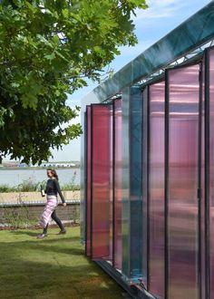 Fernando Abellanas Estúdio Baixo Ponte Fernando Abellanas - Designer builds a secret studio beneath a busy bridge in valencia
