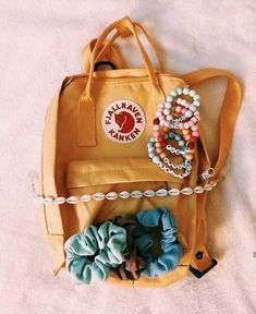 """Merriam-Webster specifies the """"VSCO girl"""" as . Well, really, Merriam-Webster doesn't in fact have a meaning for VSCO lady offered. Mochila Kanken, Kanken Backpack, Travel Backpack, Birkenstock, Bershka Collection, Accesorios Casual, Vsco Pictures, Vsco Pics, Summer Aesthetic"""